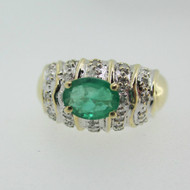 14k Yellow Gold Emerald Ring with Diamond Accents Size 8 1/4