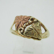 10k 12k Black Hills Gold 2 Leaf Design Ring Size 7 1/2