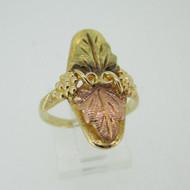 10k Coleman Co Black Hills Gold 2 Leaf Design Band Ring Size 8