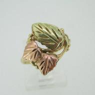 10k Coleman Co Black Hills Gold 3 Leaf Design Band Ring Size 7 1/2