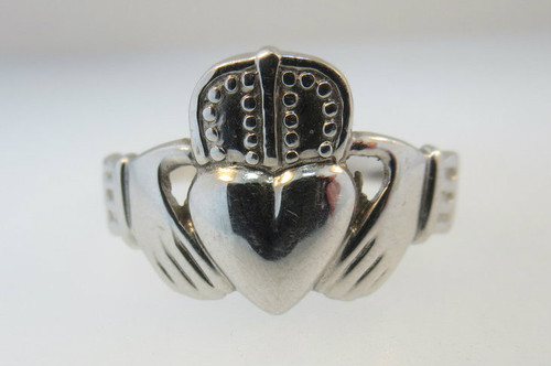 14k White Gold Claddagh Ring. Size 9 1/4*