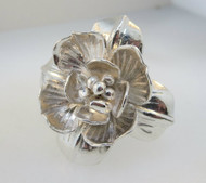 Sterling Silver Flower Burst Ring. Size 6 ½ *