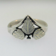 Wheeler Manufacturing Company Sterling Silver Black Hills Gold Style Ring Size 8
