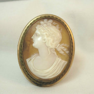 Gold Tone Vintage Costume Cameo Brooch Pendant