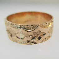 14k Yellow Gold Band with Design Surrounding Band Size 8