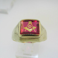 10k Yellow Gold Masonic Ring with Red Stone Size 11