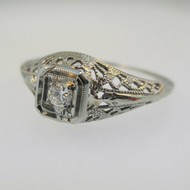Vintage 18k White Gold Approx .05ct Round Brilliant Cut Diamond Ring with Filigree Accents Size 7 1/2