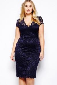 Navy Blue Scalloped V-neck Lace Plus Size Midi Dress