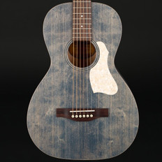 Art & Lutherie Roadhouse in Denim Blue Ltd with Gig Bag