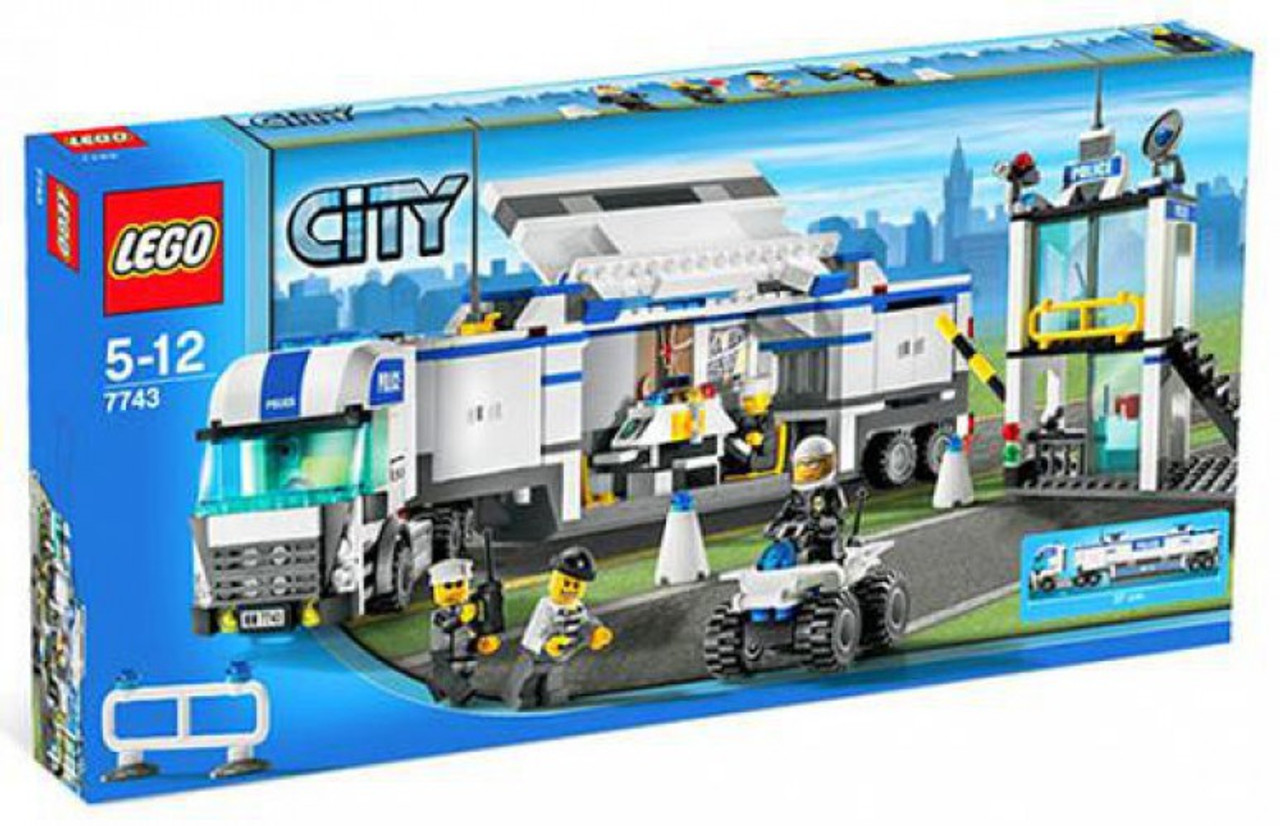 LEGO City Police Command Center Set #7743