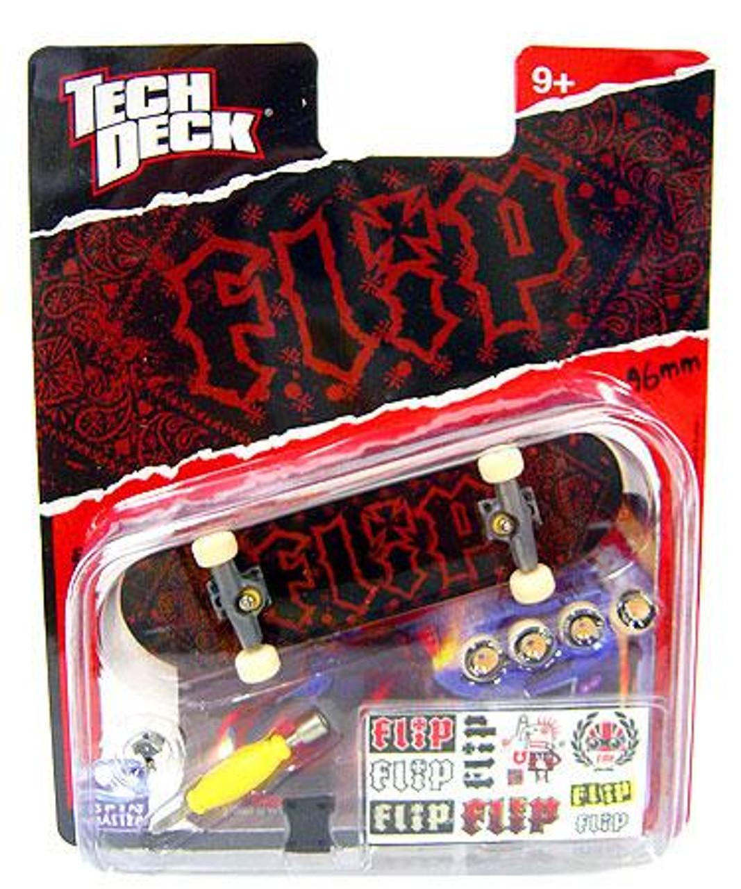 Tech Deck Flip 96mm Mini Skateboard [Red & Black Bandana]