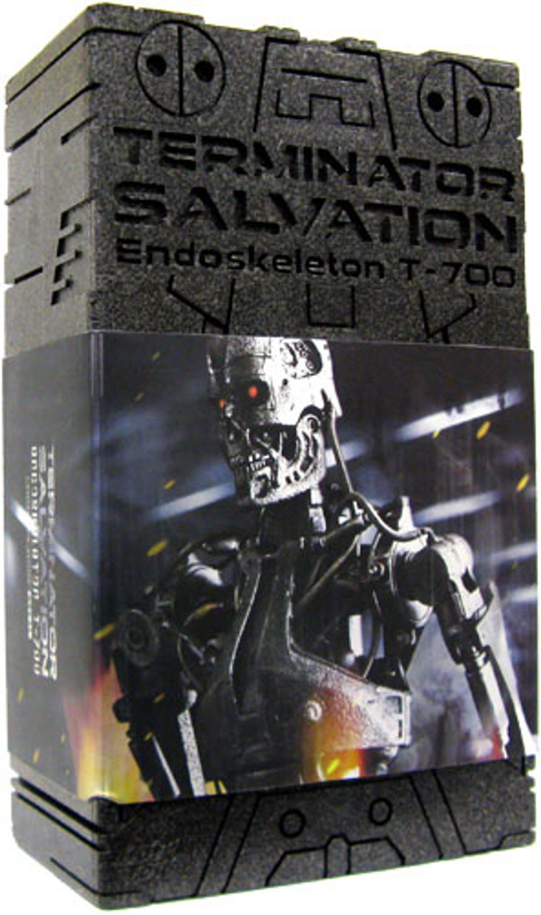 Terminator Salvation Endoskeleton T-700 1/6 Collectible Figure