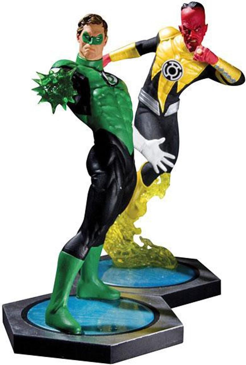 DC Ultimate Showdown Green Lantern vs Sinestro Statue Set