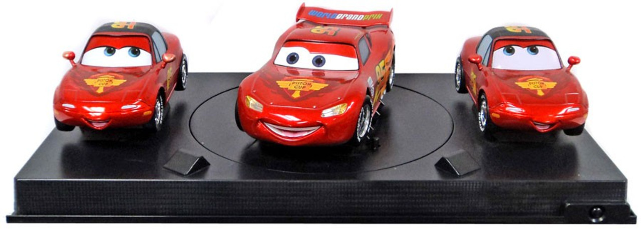 Disney Cars Cars 2 Lightning McQueen, Mia & Tia Exclusive Diecast Car 3-Pack Set [Loose (No Package)]
