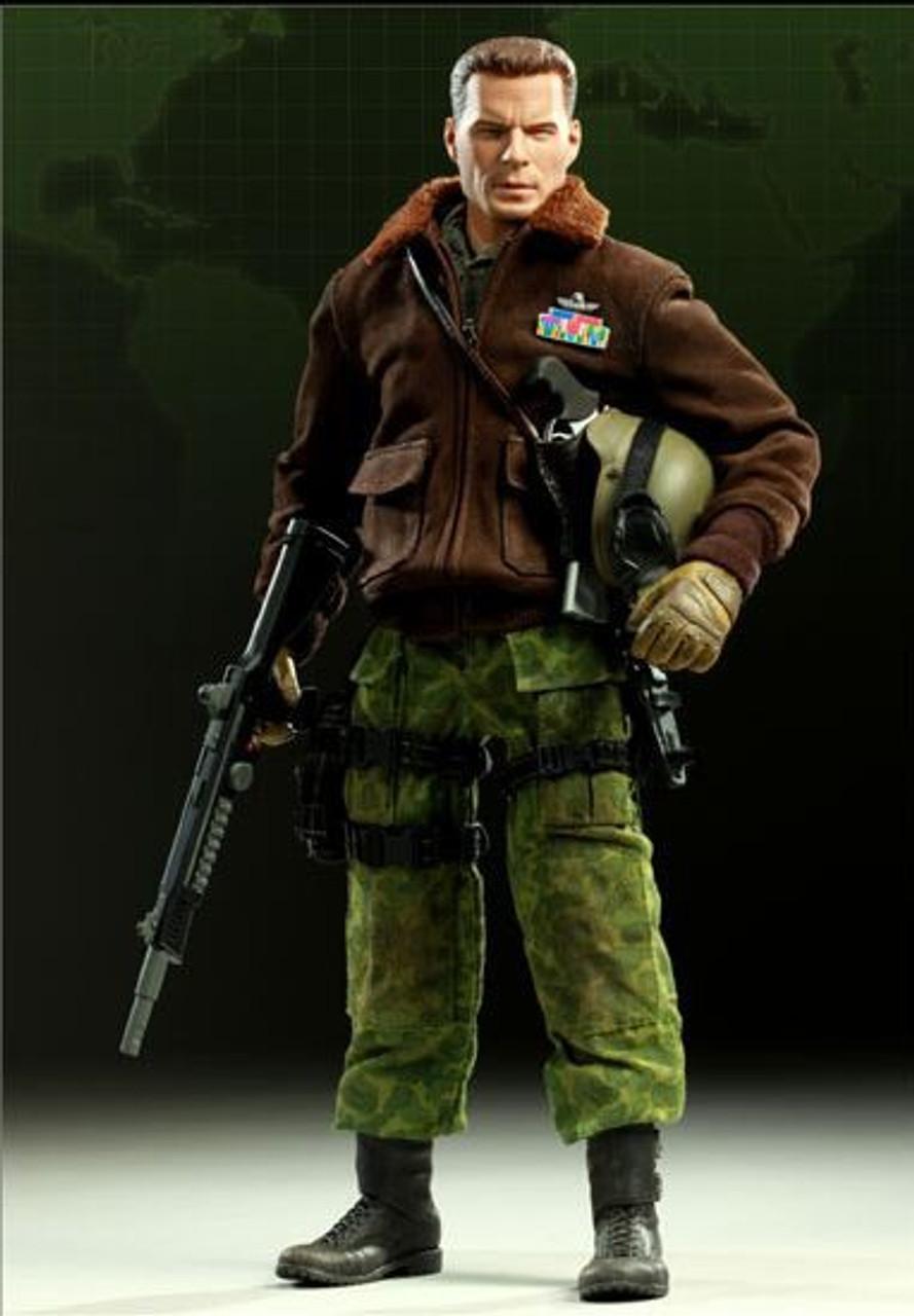 GI Joe Commander Hawk 1/6 Collectible Figure