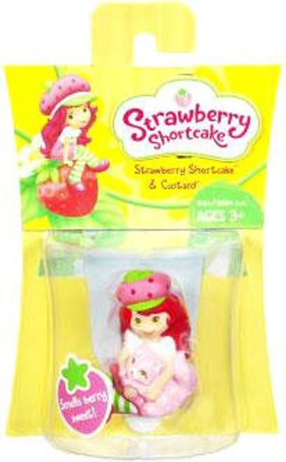 Basic Strawberry Shortcake Figure [With Custard]