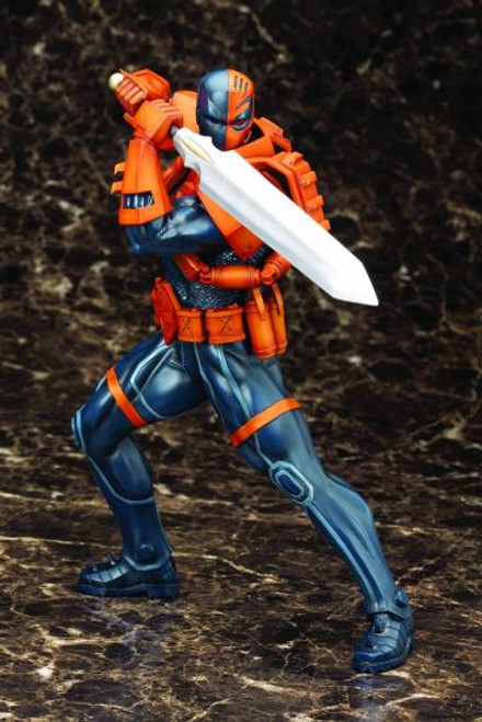 DC The New 52 ArtFX+ Deathstroke 1/6 Statue