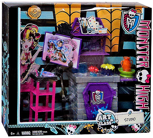 Monster High Classroom Art Class Studio 10.5-Inch Doll Playset