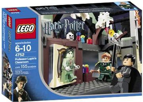 LEGO Harry Potter Series 1 Prisoner of Azkaban Professor Lupin's Classroom Set #4752