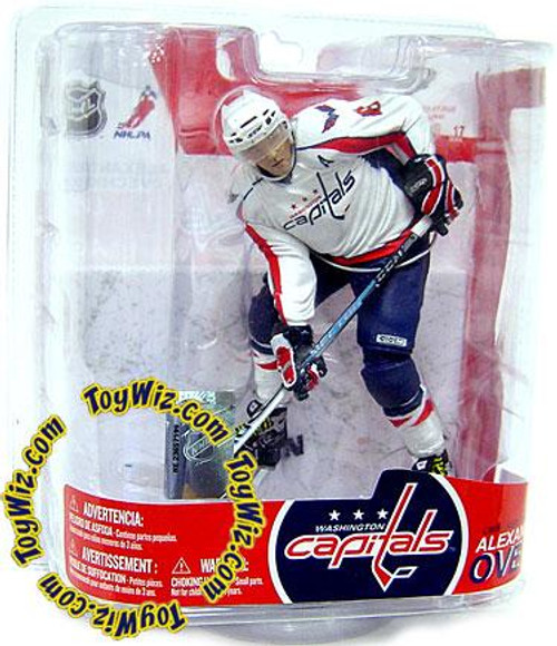 McFarlane Toys NHL Washington Capitals Sports Picks Series 17 Alexander Ovechkin Action Figure [White Jersey Variant]
