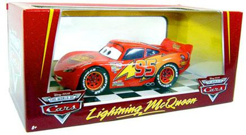 Disney Cars The World of Cars 1:24 Lightning McQueen Exclusive Diecast Car
