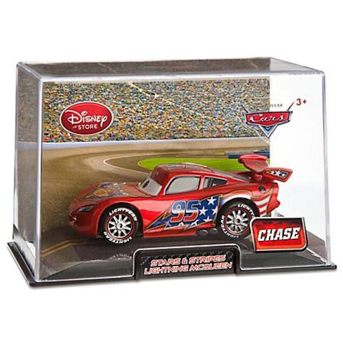 Disney Cars Cars 2 1:43 Collectors Case Stars & Stripes Lightning McQueen Exclusive Diecast Car