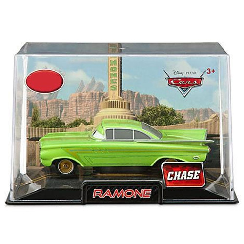 Disney Cars Cars 2 1:43 Collectors Case Ramone Exclusive Diecast Car [Green]