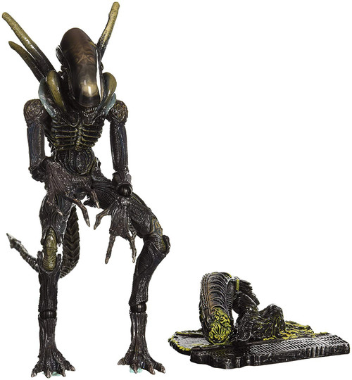 Colonial Marines Play Arts Kai Alien Lurker Action Figure