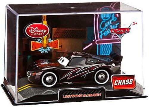 Disney Cars 1:43 Collectors Case Lightning McQueen Exclusive Diecast Car [Black]