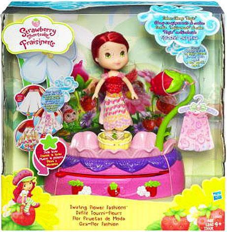 Hasbro Strawberry Shortcake Twirling Flower Fashions Playset