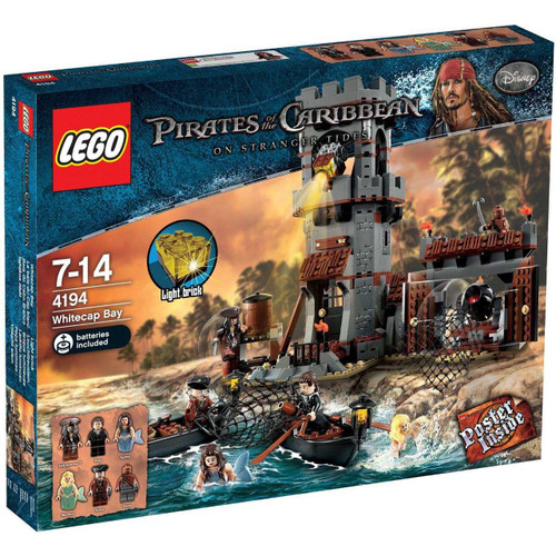 LEGO Pirates of the Caribbean Whitecap Bay Set #4194 [Dam...