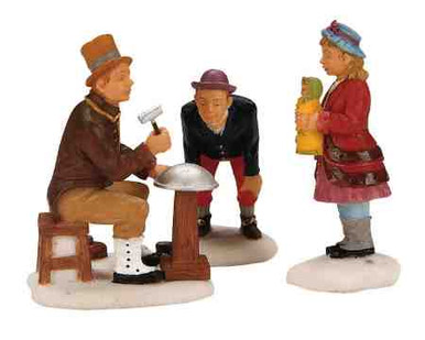 12521 -  The Tinker, Set of 2 - Lemax Christmas Village Figurines