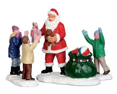 It s santa set of lemax christmas figurines
