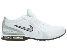 NIKE Men's Reax TR III SL Cross Trainer White/Metallic Silver)