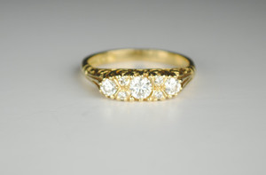 18kt English Victorian Style 3 Stone Ring