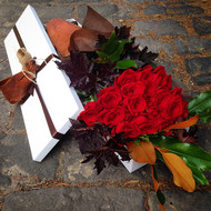 24 Long Stem Premium Red Roses Gift Boxed
