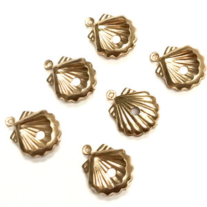 Vintage Brass Open Clam Shell Charms  18 x 14mm