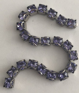 Swarovski Crystal Gunmetal CATCH-FREE Cup Chain - Tanzanite - 32pp