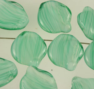 Wavy Glass Leaves - Crystal Green White 12 x 15mm