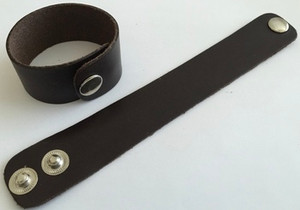 Leather Cord USA 21.5x3.2cm Red Brown Leather Cuff with Silver Snap