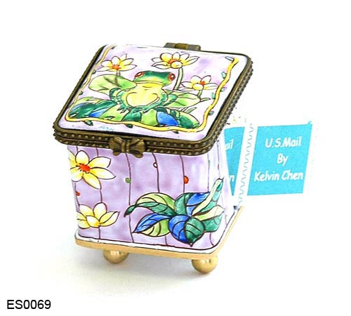ES0069 Kelvin Chen Frog on Lily Pad Stamp Box