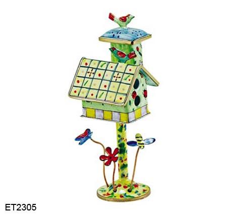 ET2305 Kelvin Chen Ladybug Birdhouse