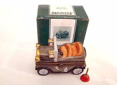 Antique Car with Oil Can PHB