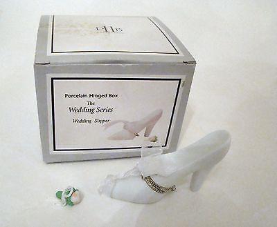 Wedding Slipper Shoe with bouquet