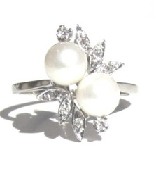 Vintage Pearl and Diamond 14K Ring