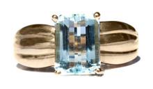Vintage Aquamarine 14K Ring