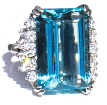 26 ct Aquamarine and Diamond Platinum Ring