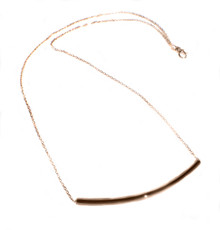 Curved Bar Necklace in 18K