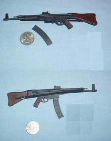 Miniature 1/6 WW2 German MP44 Assault Rifle