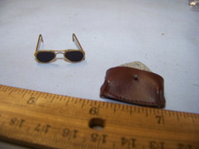 Miniature 1/6th Scale WWII US Metal Glasses & Leather Like case  RARE